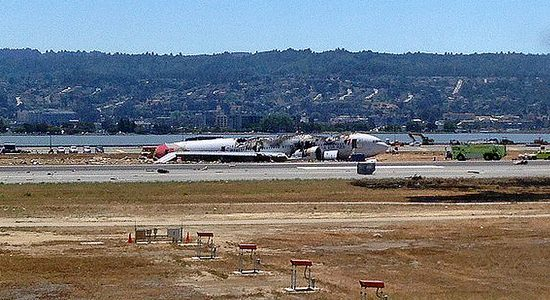 The Boeing 777 Asiana Flight 214 crash landed at San Francisco Airport on 6 July, 2013 - Photo courtesy of Alan Light