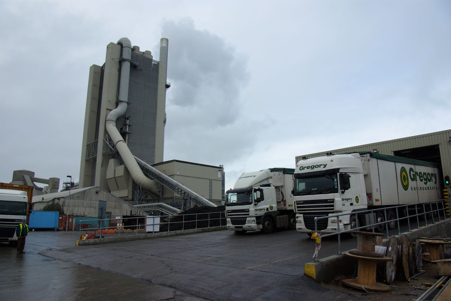 CEMEX's Rugby plant needed additional unloading and conveyor capacity.