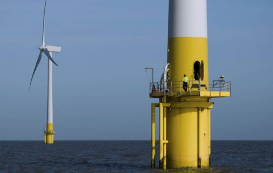 Offshore Wind Pic (L) UK oil and gas