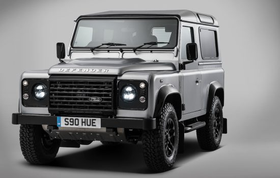 Featuring a plethora of distinctive finishing touches, the 'Defender 2,000,000' has been created to be a fitting tribute to almost seven decades of Land Rover production in the Solihull plant.