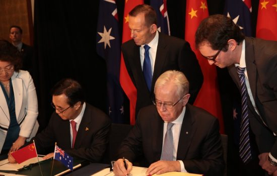 China and Australia sign a historic FTA. Image courtesy of the Minister for Trade and Investment.