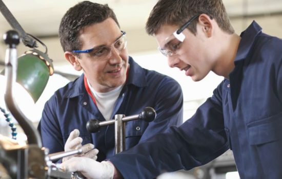 Number of apprenticeships struggle as university numbers continue to do well - work experience