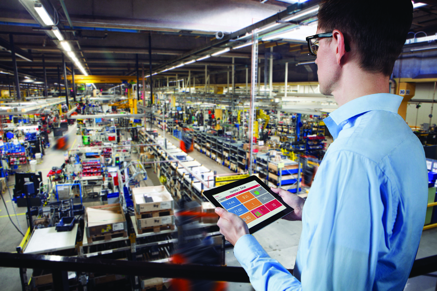 Toyota I_Site - Manager using mobile app