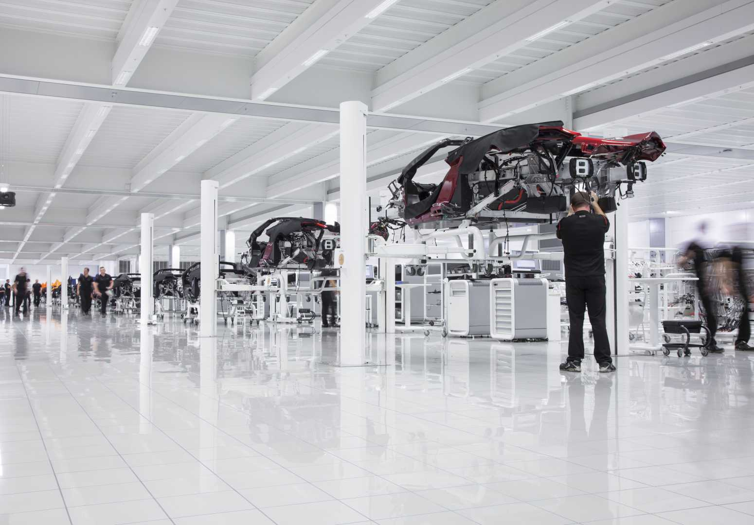 McLaren Automotive posts successive sales record 2015