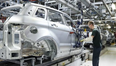 The Evoque being manufactured at Halewood. Photography attributed to JLR.