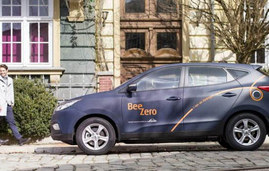 50 Hyundai ix35 Fuel Cell power the new BeeZero car sharing programme by The Linde Group launching this summer in Munich - image courtesy of Hyundai