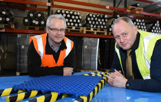 L to R: Simon Winfield and Andrew Onions (both MacLellan Rubber).
