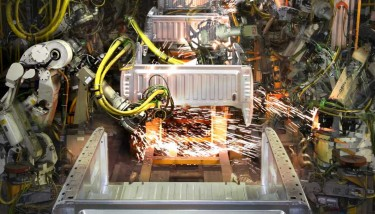 Robot and CNC machine builders need to help drive more mainstream adoption of IoT and connected factories – image courtesy of Cisco.