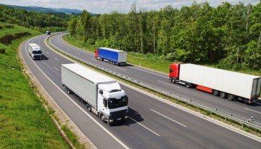 Every day on American roads, more than 96 commercial trucks endure collisions that lead to the deaths of one or more people - image courtesy of Click Intelligence.