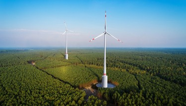 A computer generated image of the hydroelectric batteries combined with wind turbines. Image courtesy of GE Renewable Energy.