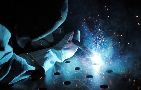 UK manufacturing productivity grew by 4.7% between 2000 and 2007 - image courtesy of Pixabay.