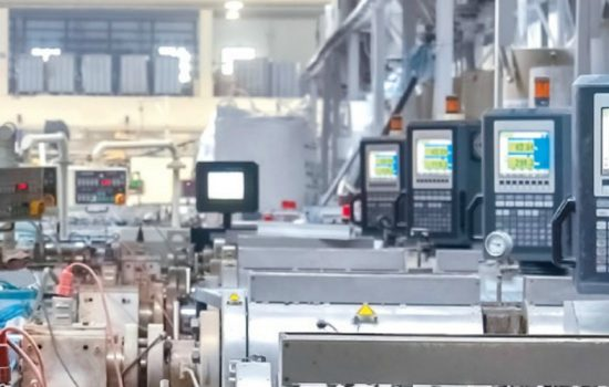 Data Factories - Digital lifecycle management integrates individual data from interconnected systems with the multidisciplinary simulation of products and manufacturing processes – image courtesy of WMG.