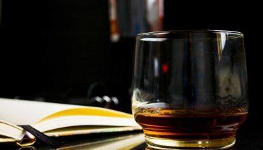 Epicor Whisky Glass Alcohol - image courtesy of Pixabay.