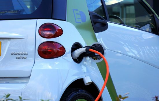 Electric vehicles are fast becoming a mainstream option for drivers and solve many of the challenges facing our cities. - image courtesy of Pixabay