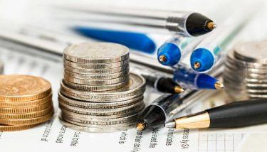 Money, finance, banking, imagine courtesy of pixabay
