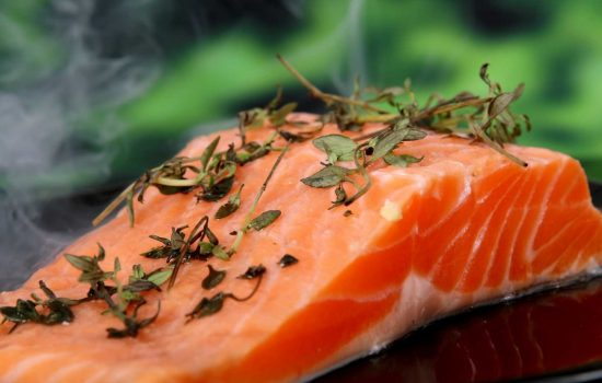 seafood food fishmonger salmon fish - image courtesy of Pixabay.