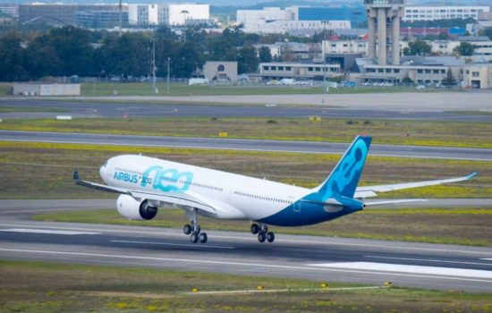 The Airbus A330neo takes off for the first time. Image courtesy of Airbus.