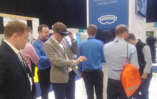 VR and AR demos have wowed attendees at the Smart Factory Expo. Image courtesy of The Manufacturer.