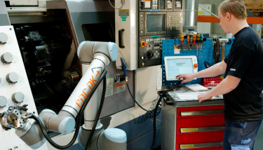 The key to cobots is that they work safely with humans without barriers – image courtesy of Universal Robots.