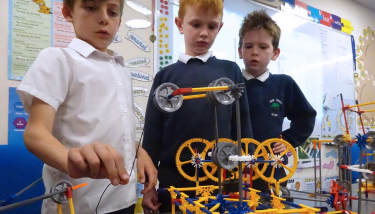 Y3 Learning about pulleys - image courtesy of Rode Heath Primary School.