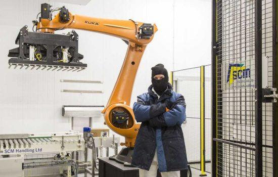 Macphie - Arctic robot at Glenbervie 04