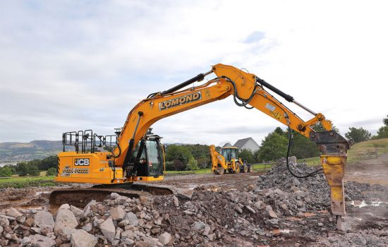 The new JCB 220X is a 20-tonne tracked excavator model