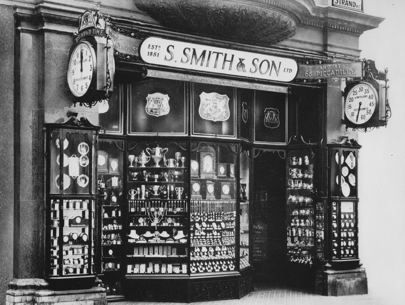 Smiths Group - Smiths shop at No.6 Grand Hotel Buildings, at the corner of The Strand and Trafalgar Square in Central London.