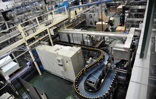 Manufacturing Automation - Industrial Automation - Beverages Factory - Stock - image courtesy of Depositphotos.