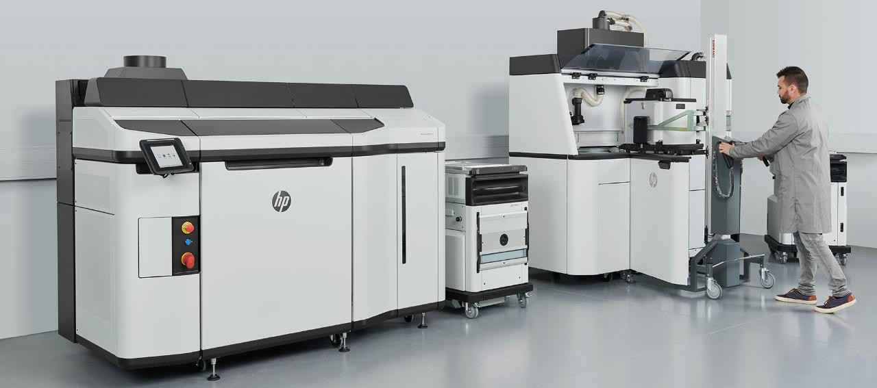 HP Jet Fusion 5200 Series can print up to 160,000 cm3 of material per day