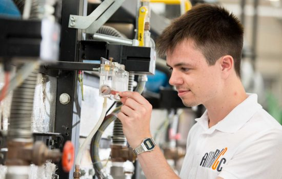 UNCROPPED - New ceramic materials science apprenticeship