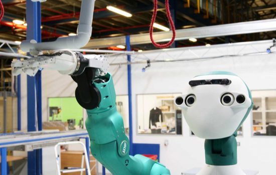 Cobot - The EU Horizon2020 SecondHands consortium has successfully developed a potentially revolutionary robotic platform, the ARMAR-6 - image 1