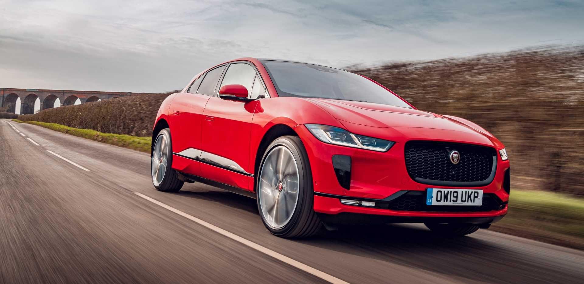 Jaguar_I-PACE_HSE_EV_400_AWD_Photon_Red_2306