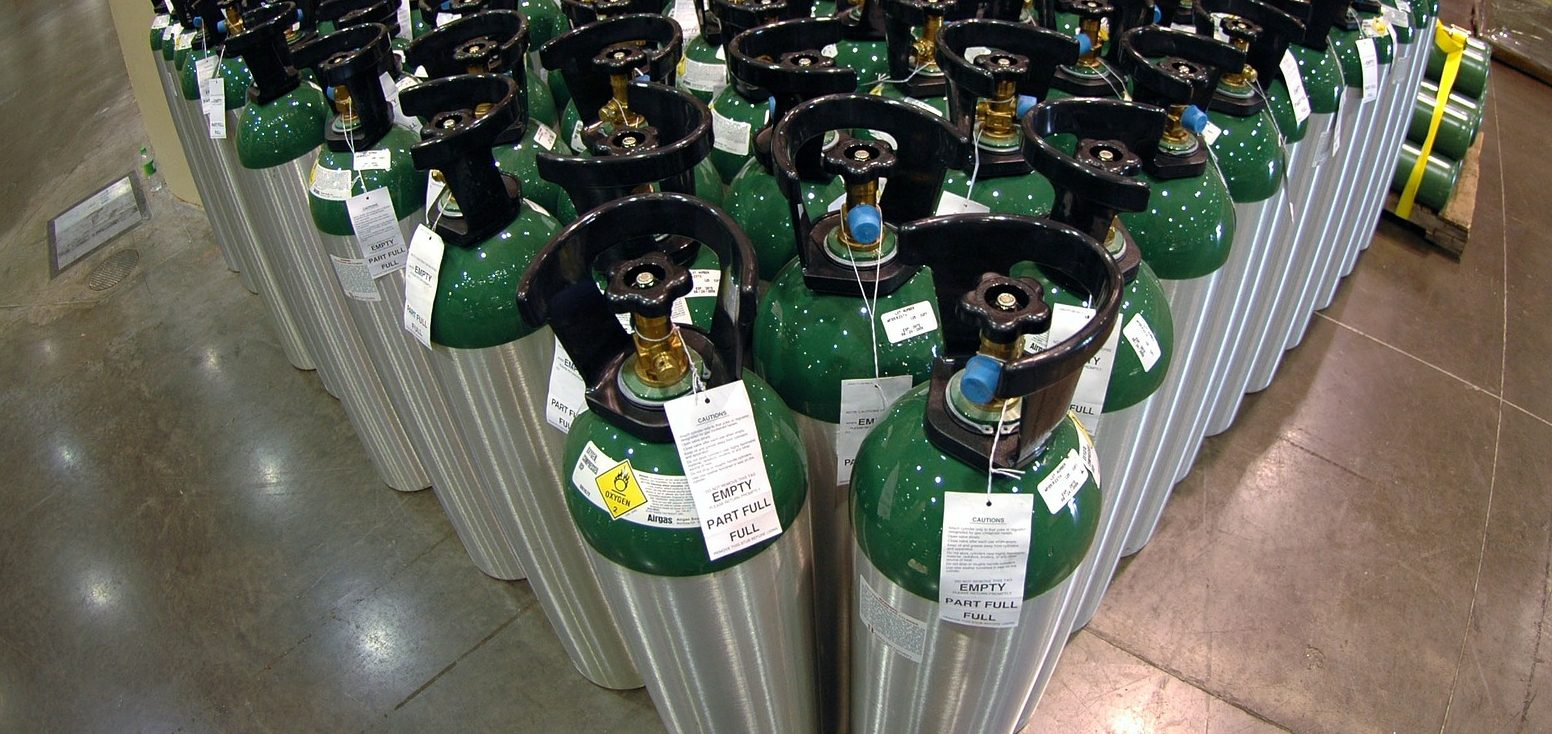 Warehouse oxygen gas bottle canister - Image by David Mark from Pixabay