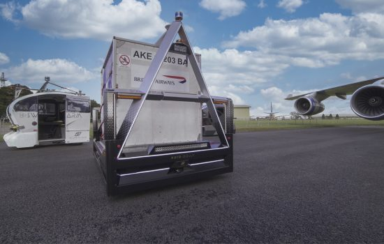 Aurrigo's electric-powered 4-seater 'Auto-Pod' and 'Auto-Dolly' luggage and cargo solution. Image courtesy of Aurrigo